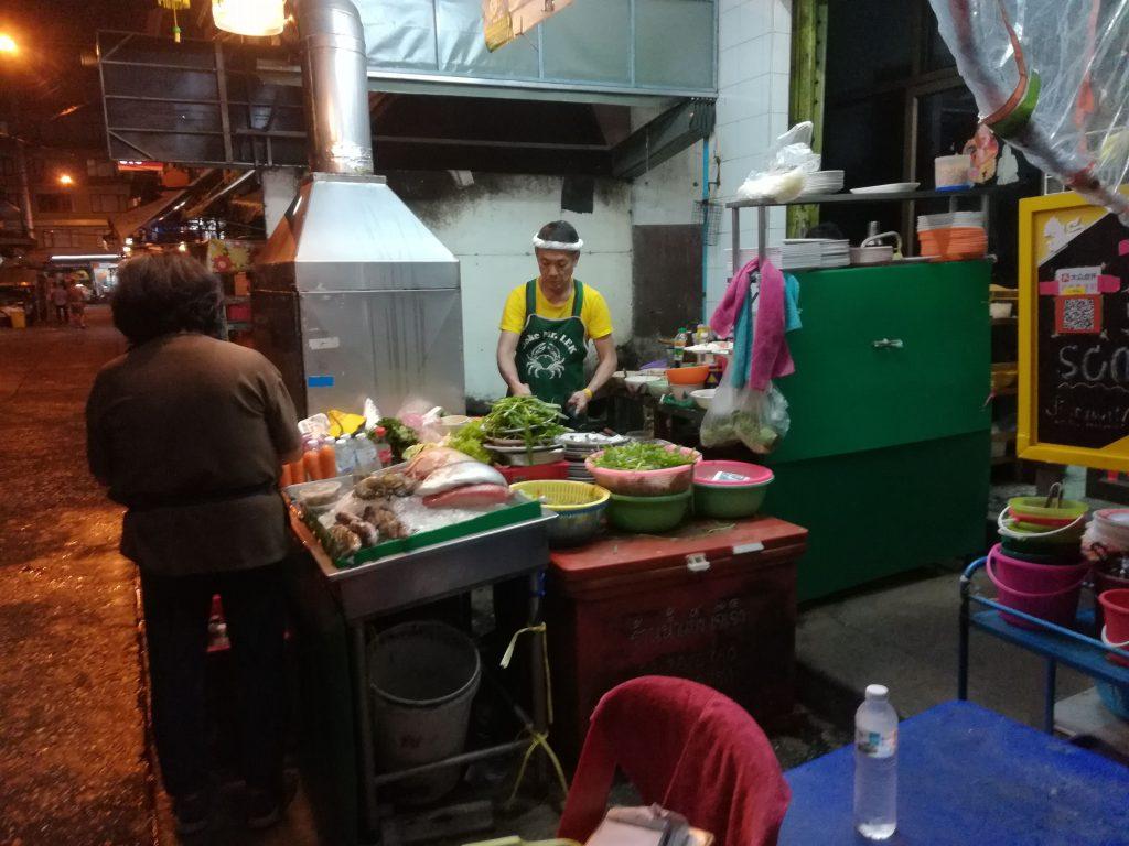 Mr Lek proprietario del Joke Pochana, Bangkok