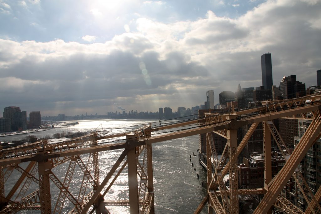 East River dalla Roosevelt Island Tramway, new york