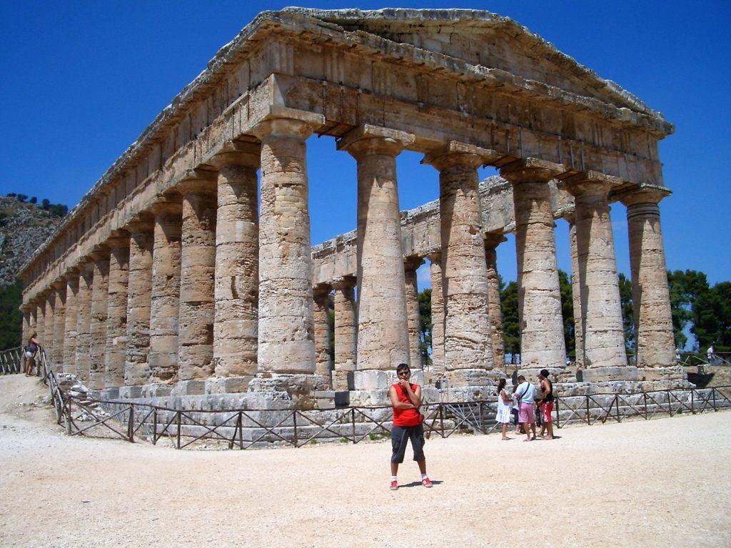 Io al Tempio Grande di Segesta