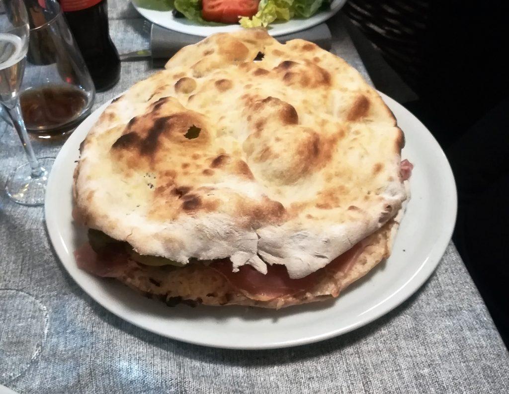 pane arabo della pizzeria sapore pizza