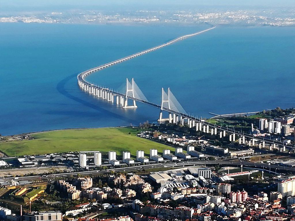 Ponte Vasco da Gama. Lisbona