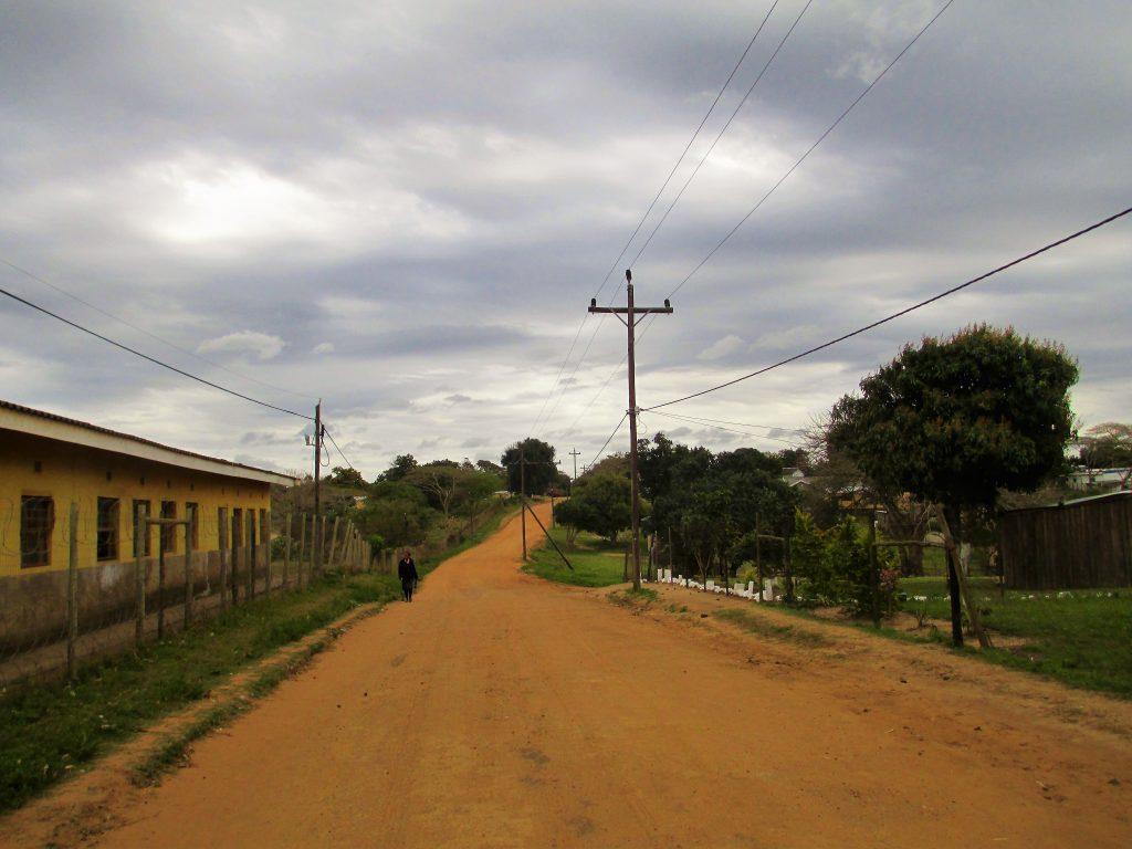strada del villaggio sudafricano