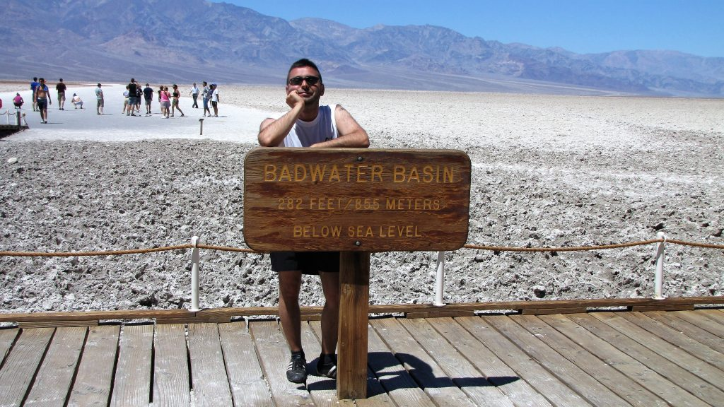 io a badwater, death valley