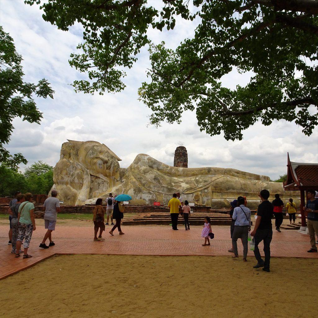 buddha coricato ayutthaya