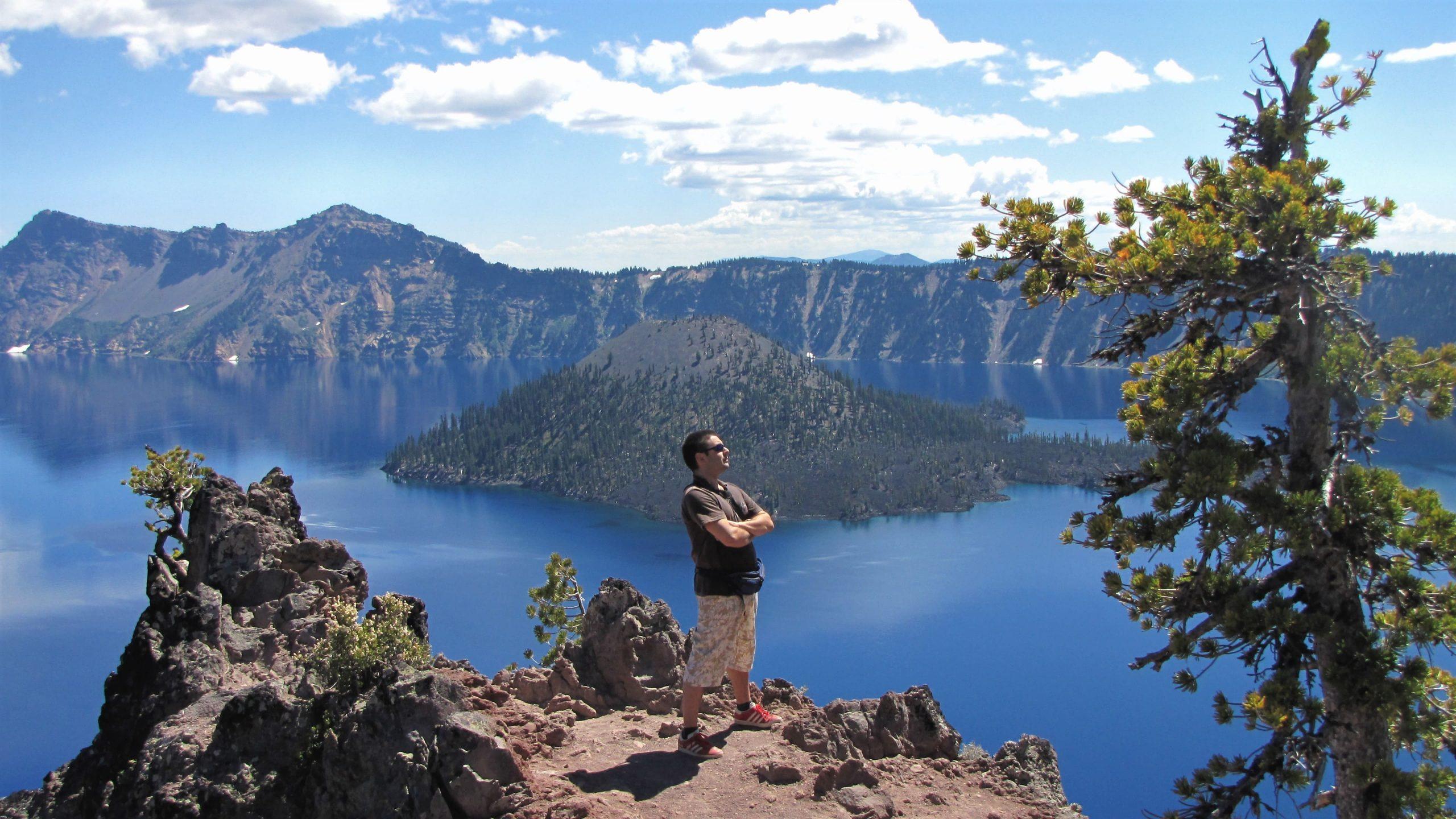 io e crater lake