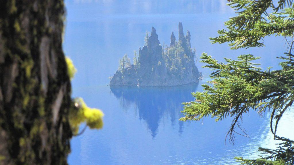 phantom ship zoomed, crater lake