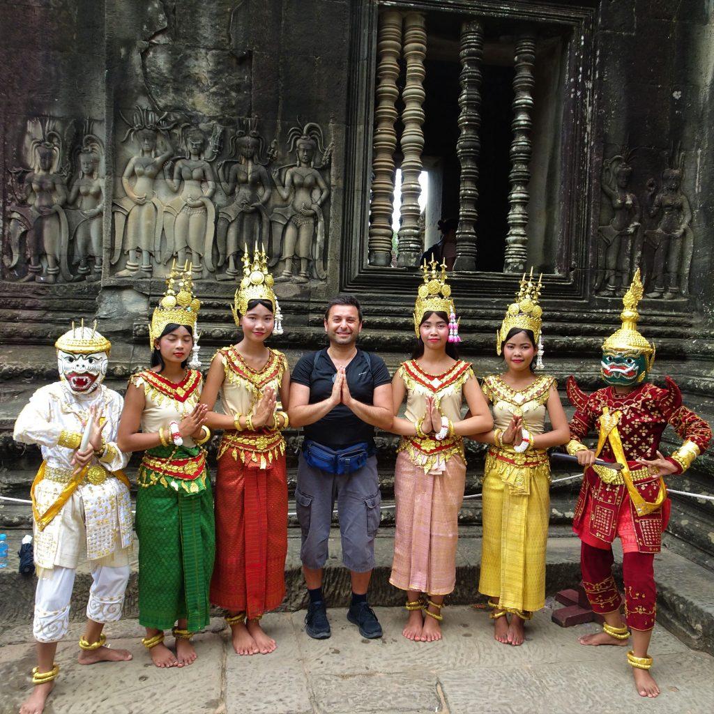 cambogiane ad angkor wat