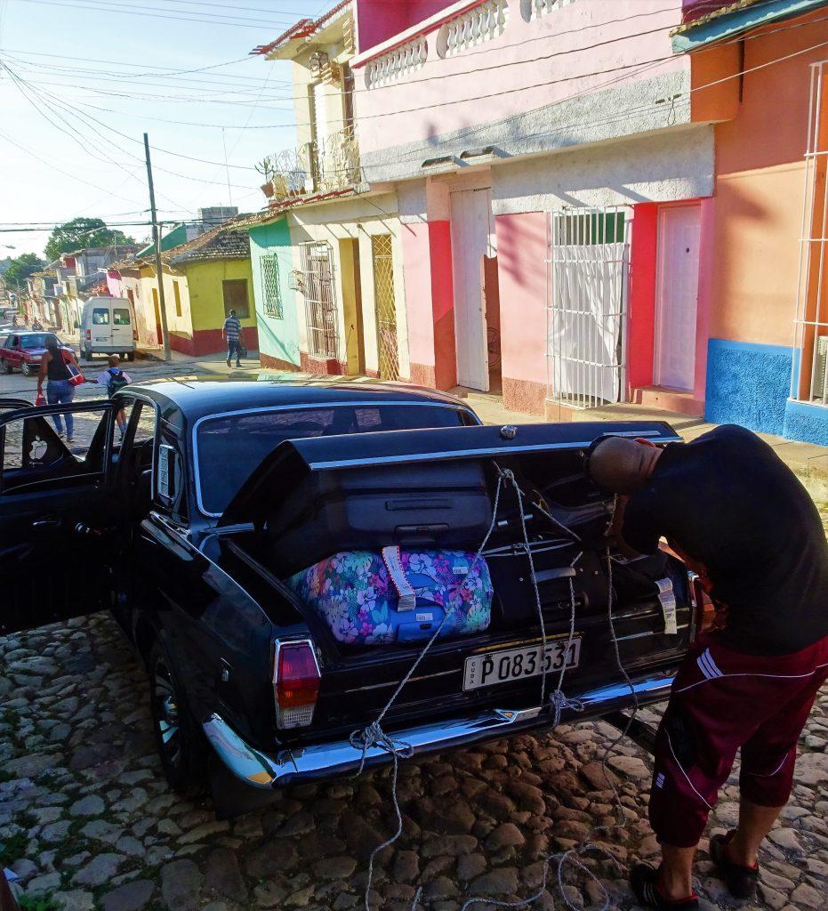 auto russa a cuba