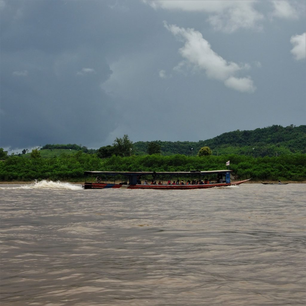 barcone sul mekong